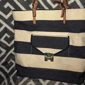 Brand new Tommy Hill figure tote